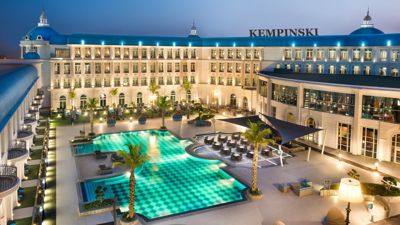 Futronix PFX dimmers operate the lighting in the courtyard of the Kempinski