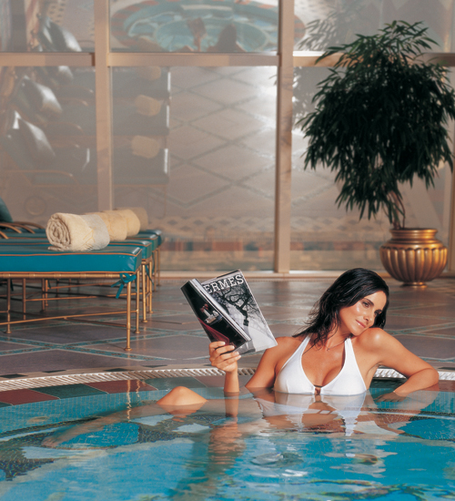 Lighting control at the burj al arab hotel dubai for Pool and spa show dubai